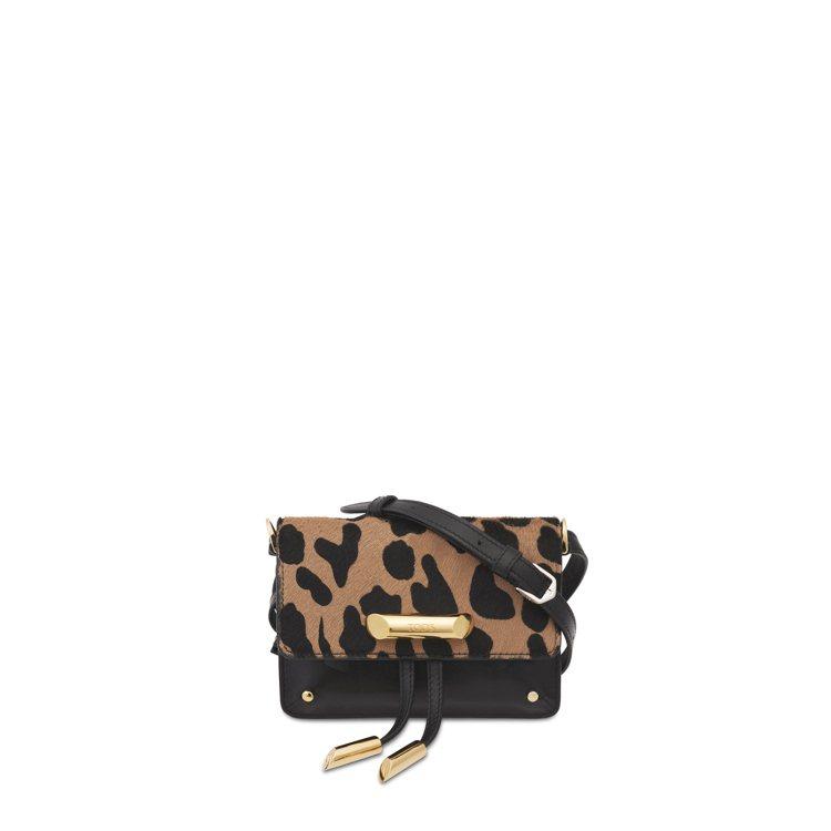 TOD'S AOI豹紋牛毛鍊帶迷你小包,41,100元。圖/迪生提供