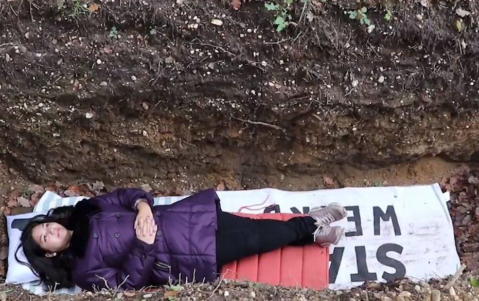 荷蘭奈梅亨大學為協助學生調適考試壓力,在校內設了一處可躺下沉思冥想的開放式墓穴。...