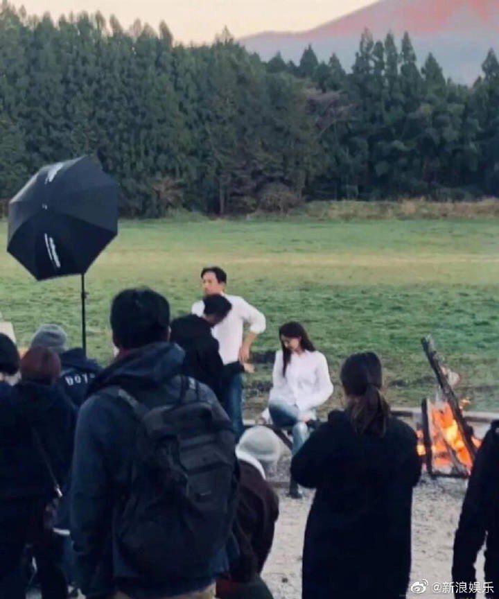 網路上留傳林志玲與Akira正在拍婚紗照。圖/摘自微博