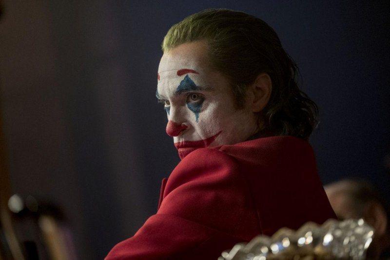 瓦昆菲尼克斯為「小丑」貢獻精湛演技,有望奪下明年奧斯卡影帝寶座。圖/華納兄弟提供