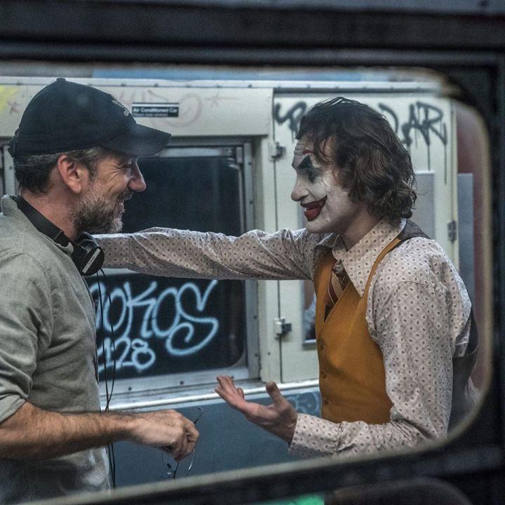 導演陶德菲利浦(左)與瓦昆菲尼克斯(右)在「小丑」裡面合作無間。圖/華納兄弟提供