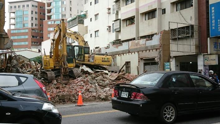 彰化市首任民選市長杜錫圭故居被建商強拆成廢墟。圖/彰化文化局提供