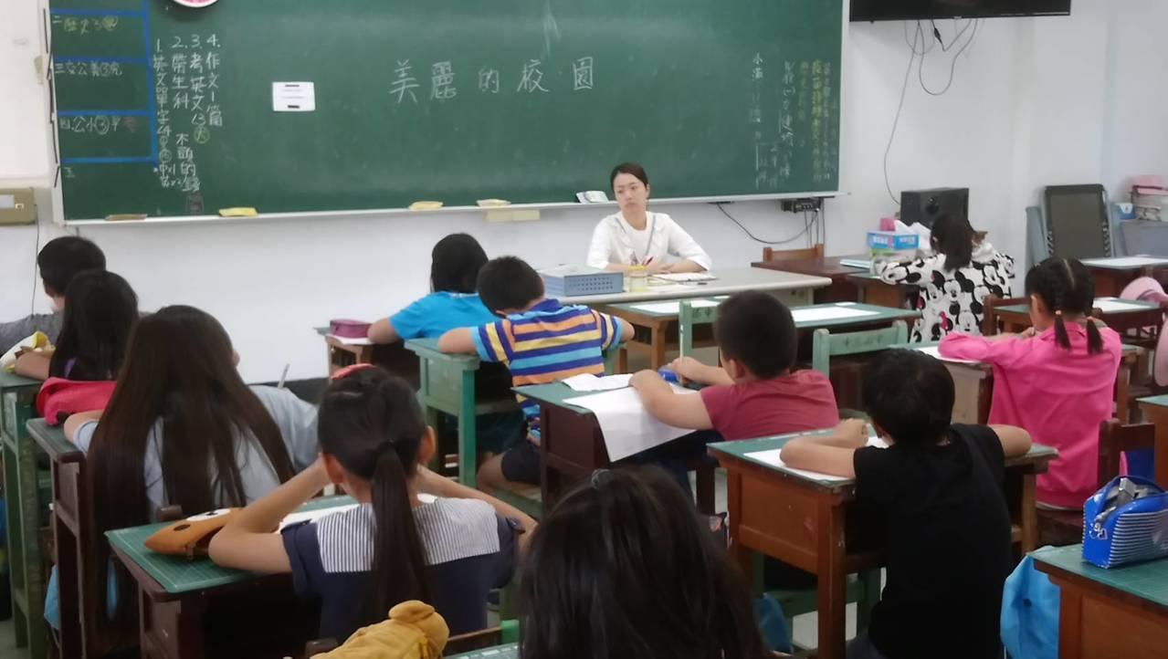 為培養學子養成閱讀習慣,美濃博士學人協會舉辦作文比賽。記者徐白櫻/翻攝