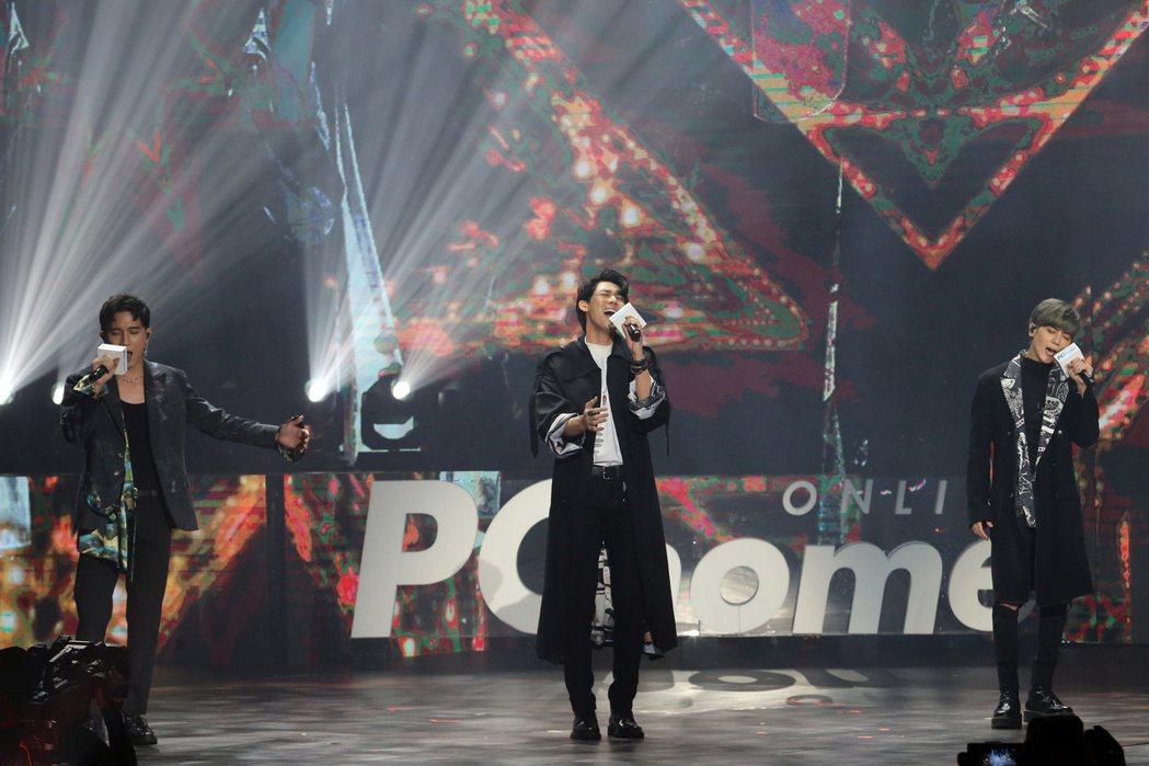 老鷹三帥秀出歌唱實力。記者許正宏/攝影