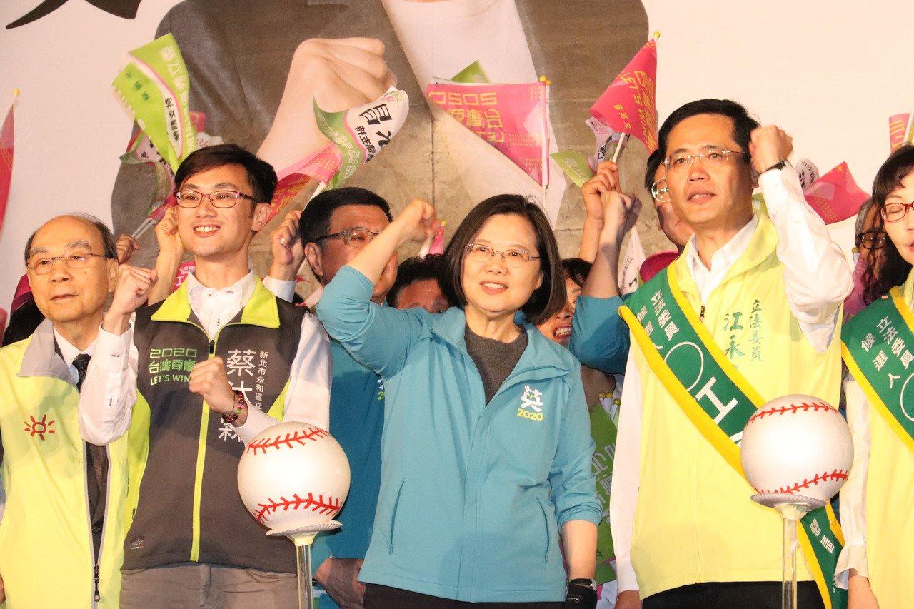 民進黨新北立委江永昌表示,誰代表誰談論居住正義他不在乎,只希望給年輕人一個居住的...