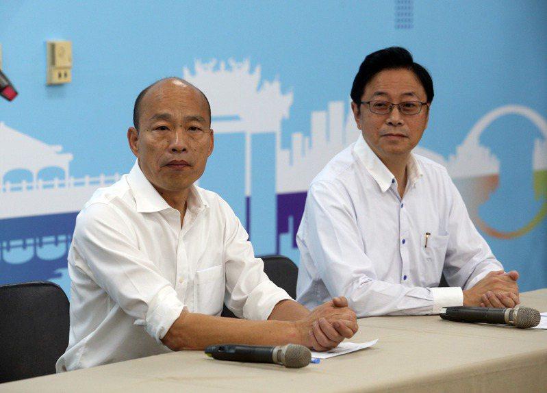 國民黨總統參選人韓國瑜(左)宣布將搭配張善政(右),角逐2020總統大選。 記者劉學聖/攝影