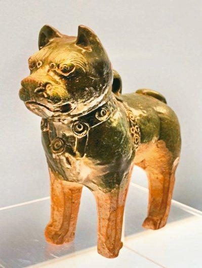 漢綠釉獒犬。 圖/周芬伶提供