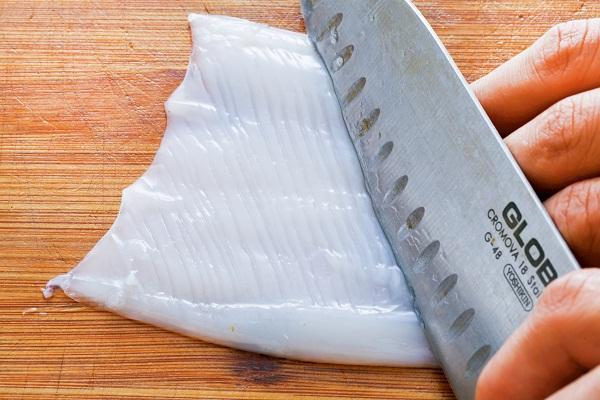 小卷烹調前要先清洗乾淨。 圖片提供/台灣好食材(王正毅)