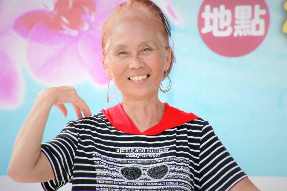 國小教師郭美伶退休後推廣疊杯和舞蹈,活出精彩人生。 圖/郭美伶提供