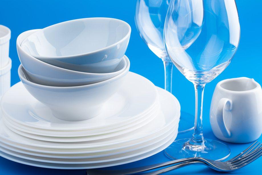 太多無用的餐具是過度消費最常見的兇手之一。圖片來源/ingimage