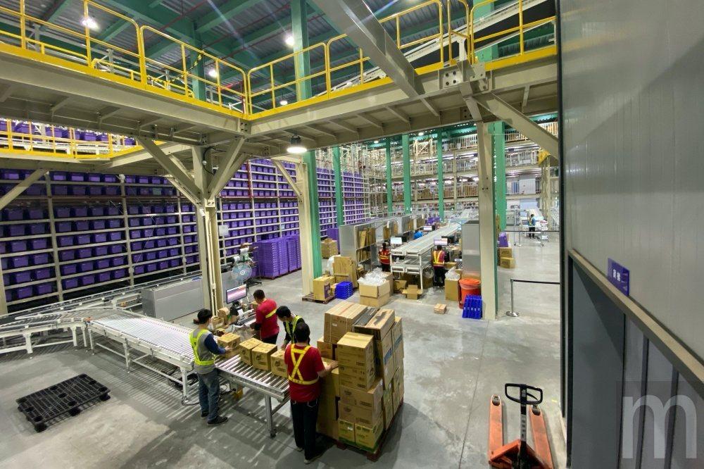 Yahoo奇摩自動化倉儲物流中心