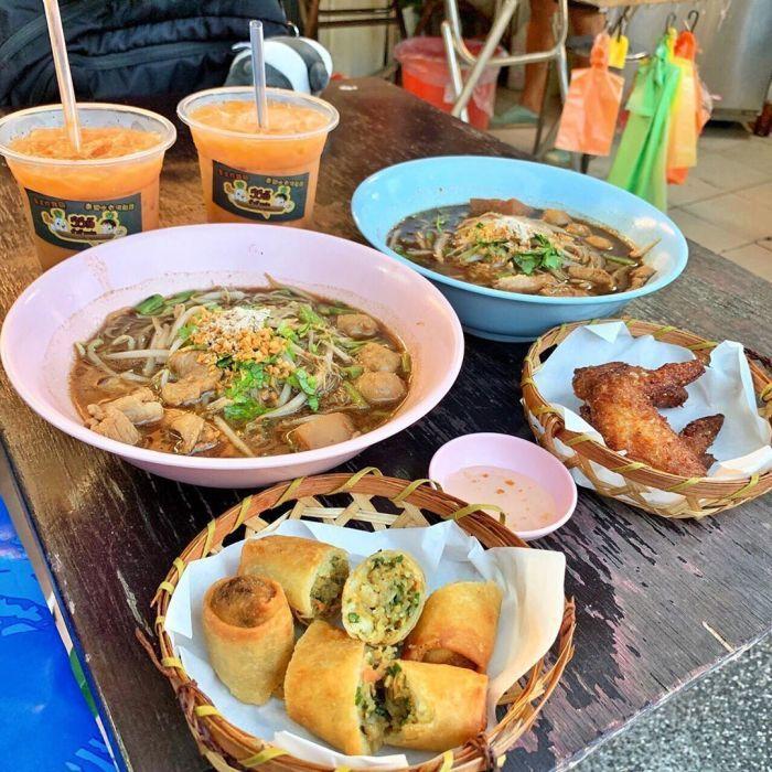 哈哈羅55泰式船麵。 圖/IG,nursing.food