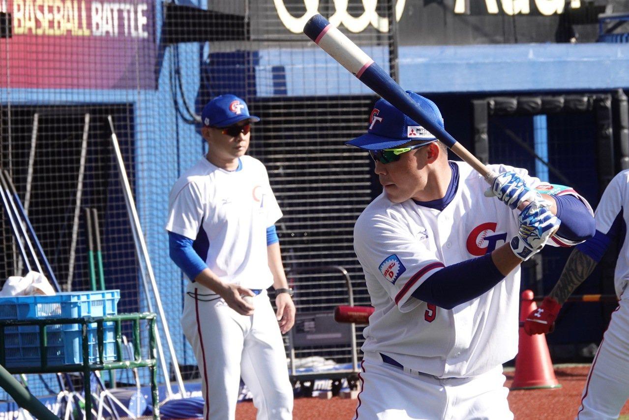 世界12強棒球賽10日官方練球時間,中華隊王柏融進行打擊練習。本報資料照片