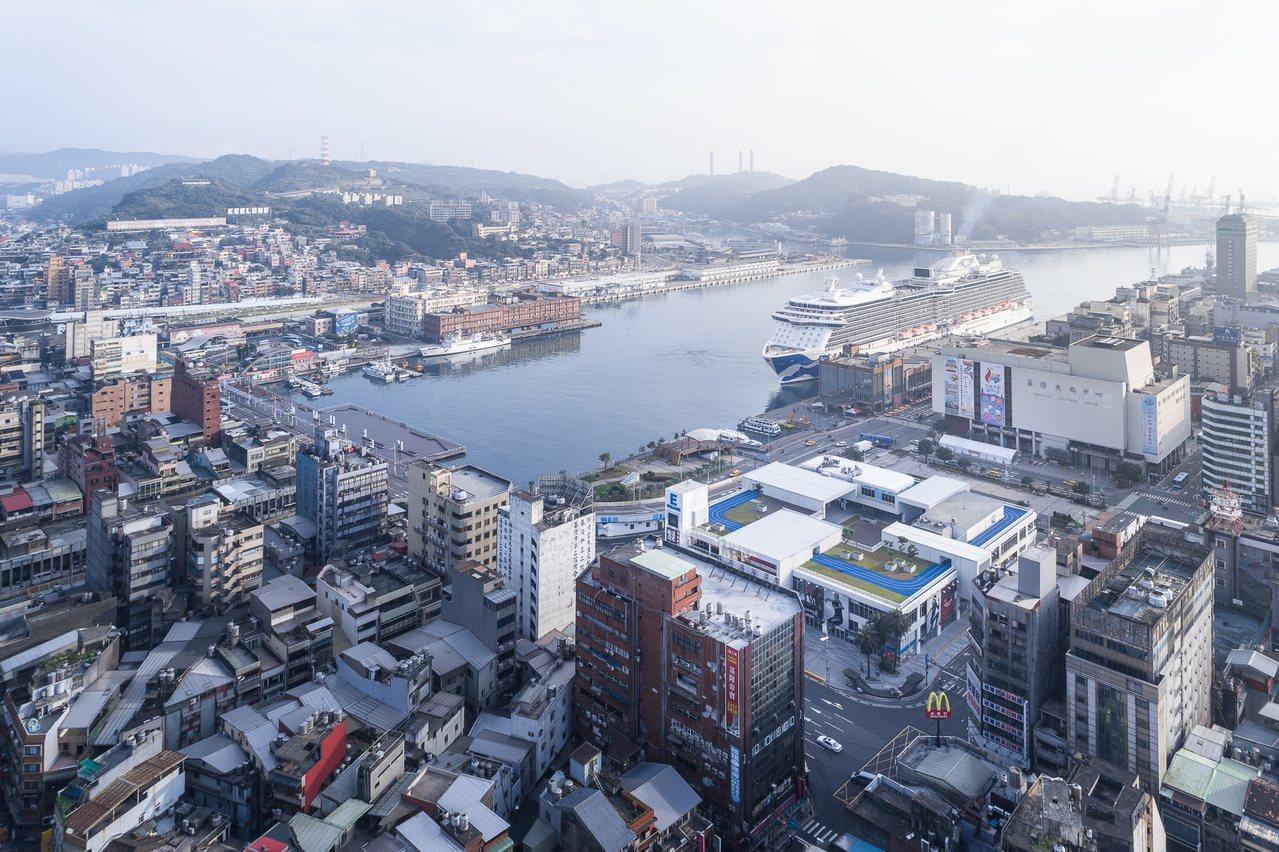 基隆東岸廣場改造獲台灣建築獎首獎。圖/建築師雜誌提供
