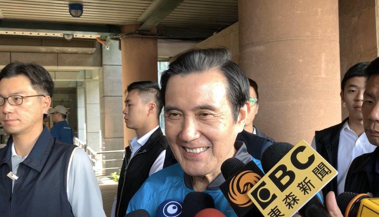 前總統馬英九今天出席行程時,表示會全力支持「國政配」。