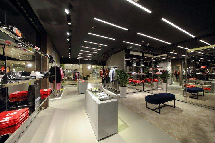 義大利時尚潮流品牌MSGM登台,選在台北微風信義二樓開設首家專賣店。圖/MSGM...