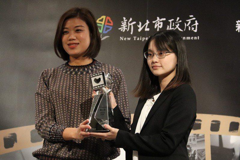 頒獎典禮除了頒發12部優選影片得獎證書外,也決選前3名得獎影片,最後選出第二名「游移之身」。記者胡瑞玲/攝影