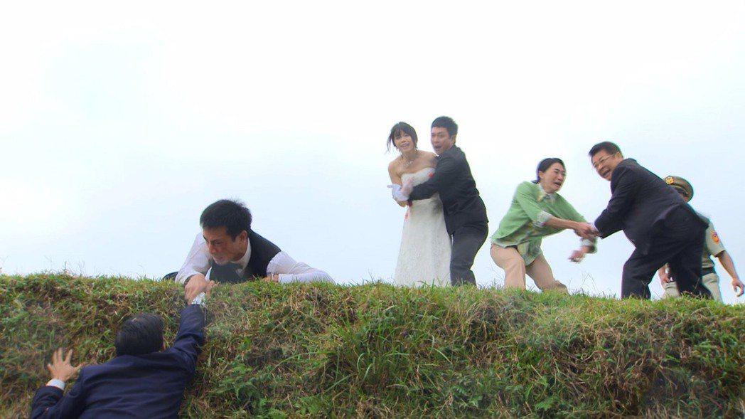 傅子純和廖苡喬在「多情城市」上演苦難記。圖/民視提供