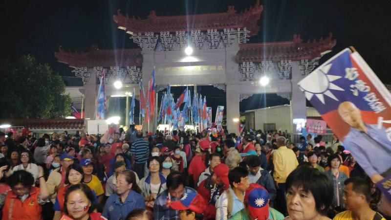 國民黨總統參選人韓國瑜昨晚回到岳家雲林,參加後頭厝西螺大埔心後援會成立大會。 記者李京昇/攝影