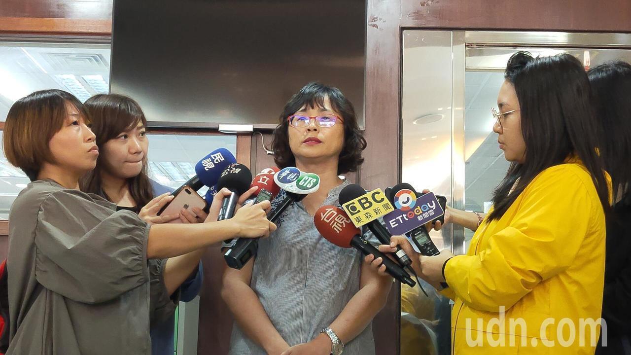 高雄市社會局今天出面說明案情。記者蔡容喬/攝影
