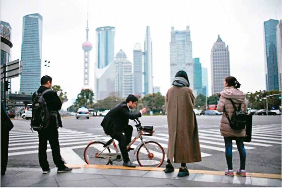 調查顯示,大多數受訪者看好中國經濟前景。 (路透社資料照片)