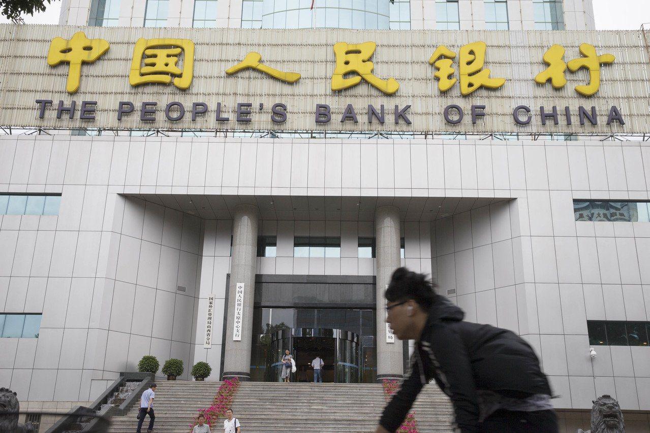 展望數位貨幣發展,中國人民銀行數字貨幣研究所所長穆長春表示,穩定幣的主要目的是為...