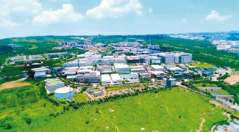 圖為經濟部投資台灣事務所9月通過系統電子等六家台商回台投資案。圖為中市精密機械科...