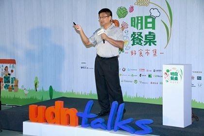 原在報社擔任文化記者的曹銘宗,退休後以台灣文史寫作知名,到處演講。 圖/曹銘宗提...