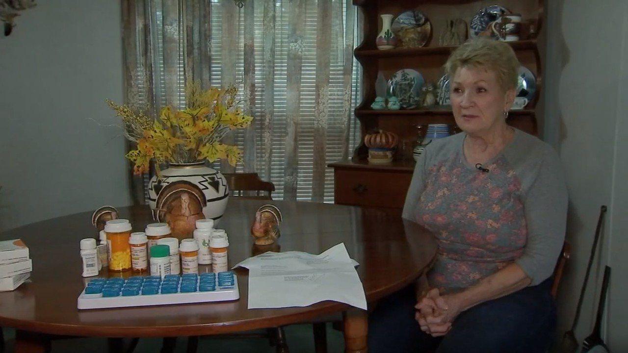 73歲的雪莉因身體狀況需要服用多種藥物,卻因被社會安全局誤記為「死亡」,因而無法...