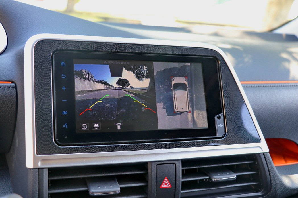 更換上近期TOYOTA新車款都會配備的Drive+ Connect智聯車載系統。...