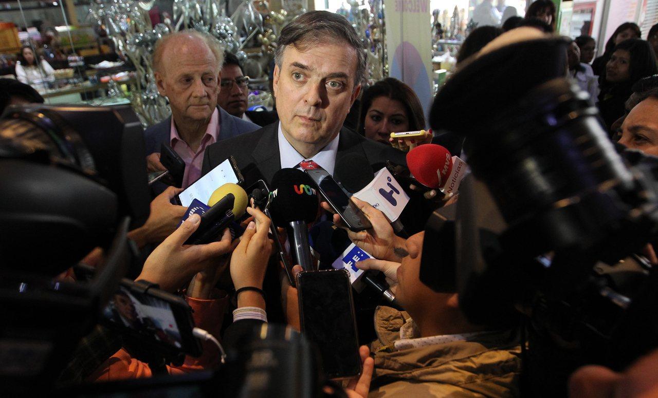 墨西哥外長厄伯拉特11日召開記者會。歐新社