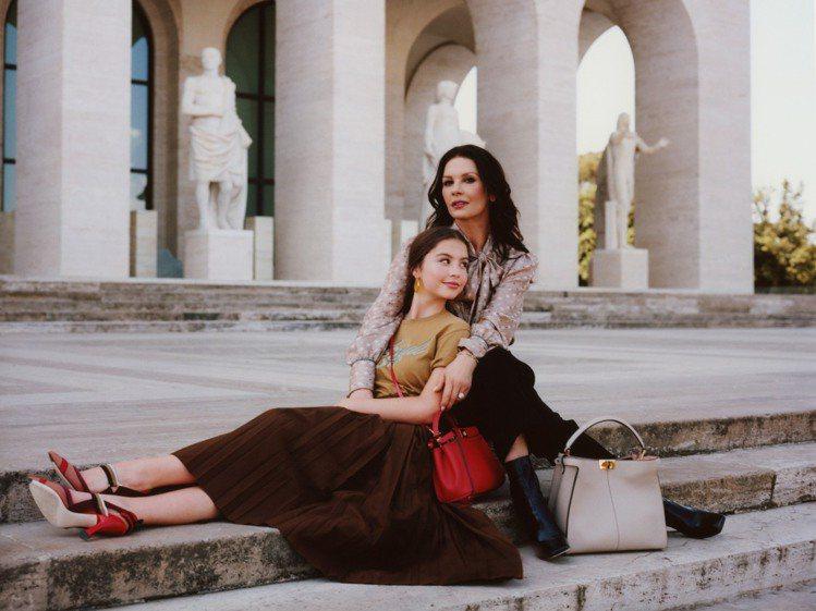 凱薩琳麗塔瓊斯和女兒凱莉絲道格拉斯首度一同入鏡,展現宛如姊妹好感情。圖/FEND...
