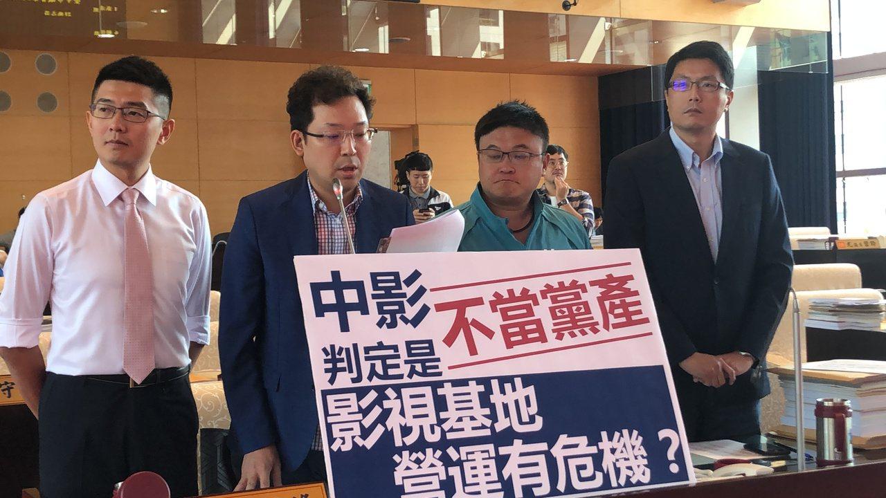 民進黨議員關心中台灣影視基地營運狀況。記者陳秋雲/攝影