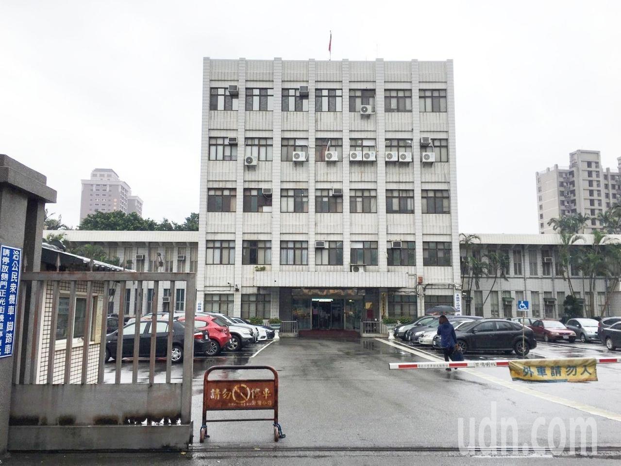 法院依業務侵占、偽造文書等,共判處劉男1年5個月徒刑。記者曾健祐/攝影