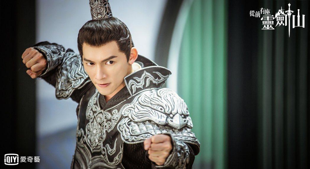 溫昇豪飾演海天闊將軍,古裝帥氣逼人。圖/愛奇藝台灣站提供