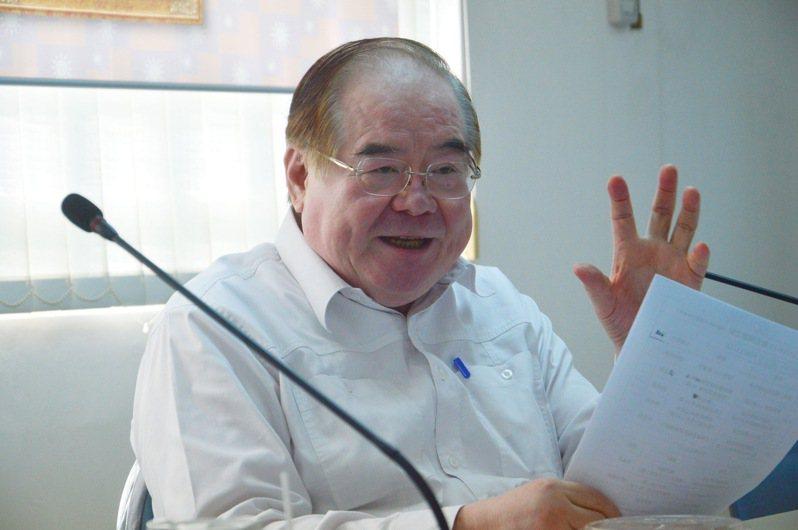 國民黨新北市黨部主委李乾龍說明黨部為韓國瑜規畫的活動內容。記者施鴻基/攝影