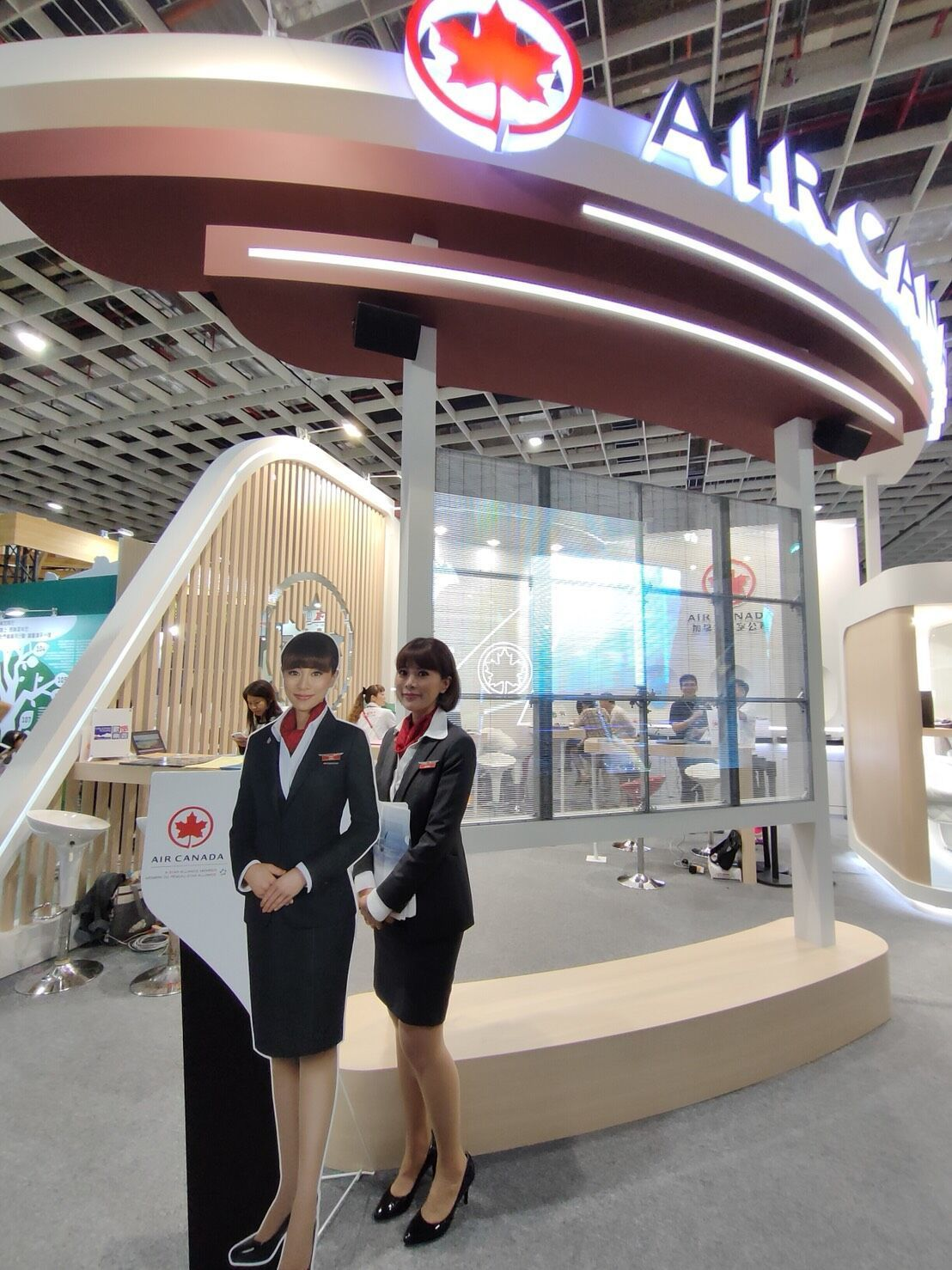 加拿大航空成立分公司後首次參加台北國際旅展,除了開出飛北美最低1萬1,500元的...