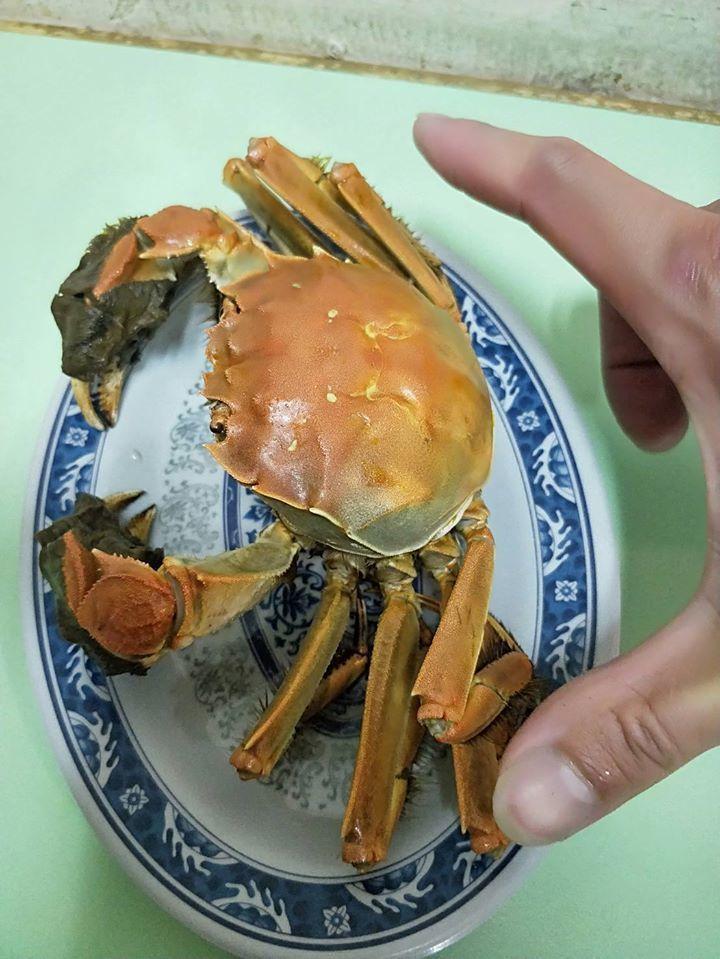 「鴻海產粥」有許多新鮮海產。圖/鴻海產粥 提供