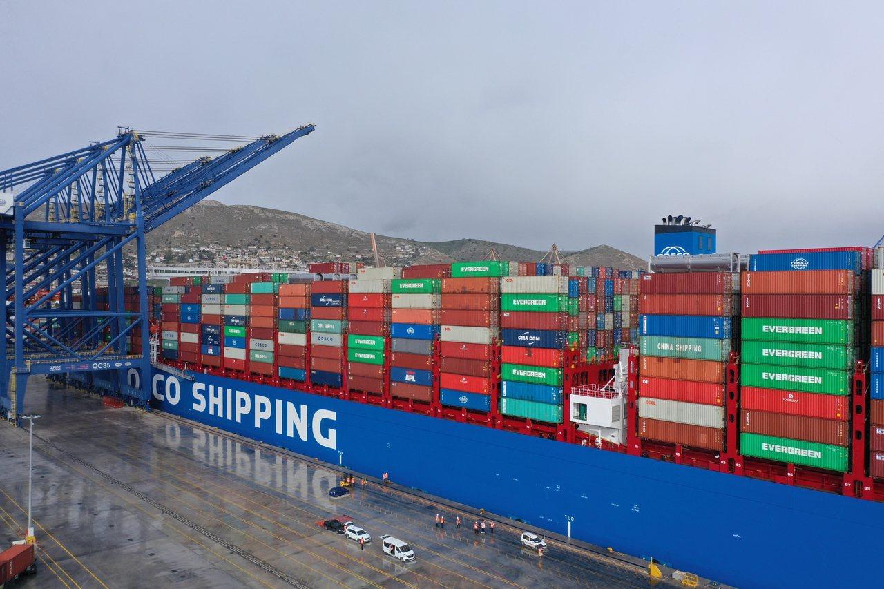 大陸國營中遠集團在2008年,獲得希臘第一大港比雷埃夫斯港兩個主要貨櫃港口的35...