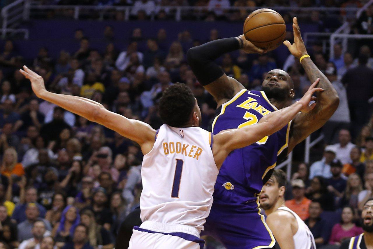 NBA/詹姆斯、庫茲瑪關鍵外線 湖人射下太陽