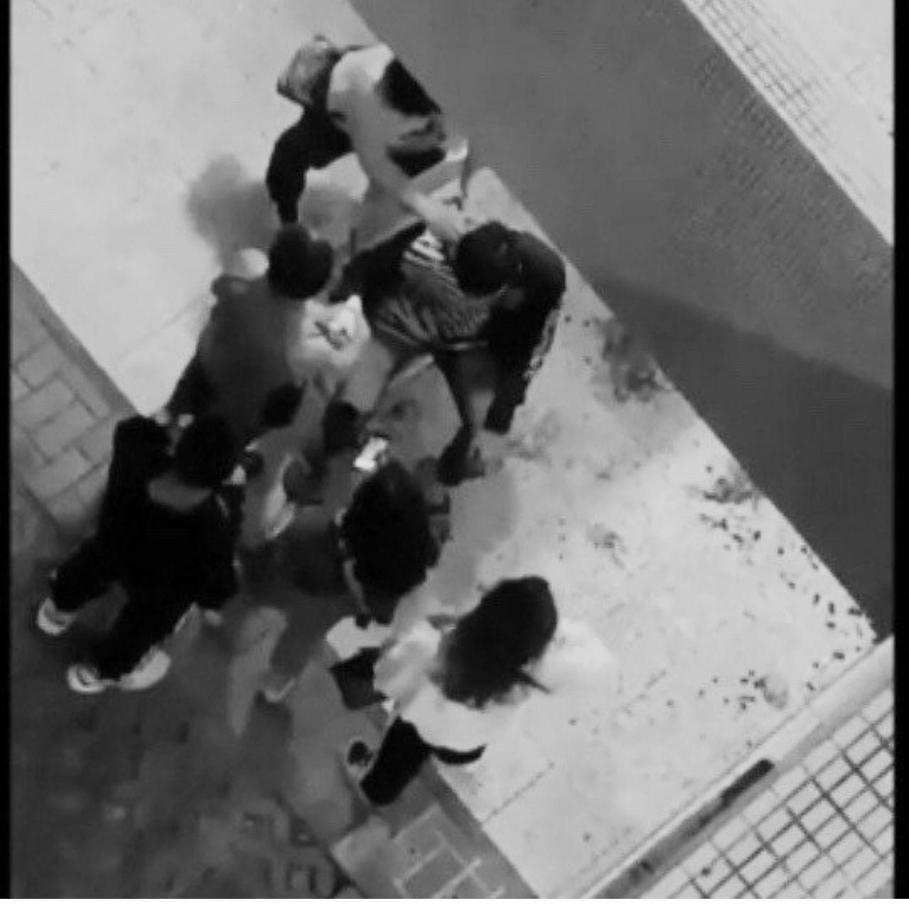 彰化某大學今晚傳出學生在校園被砍傷案,據傳是檢舉考試作弊才被砍,警方已介入調查,...