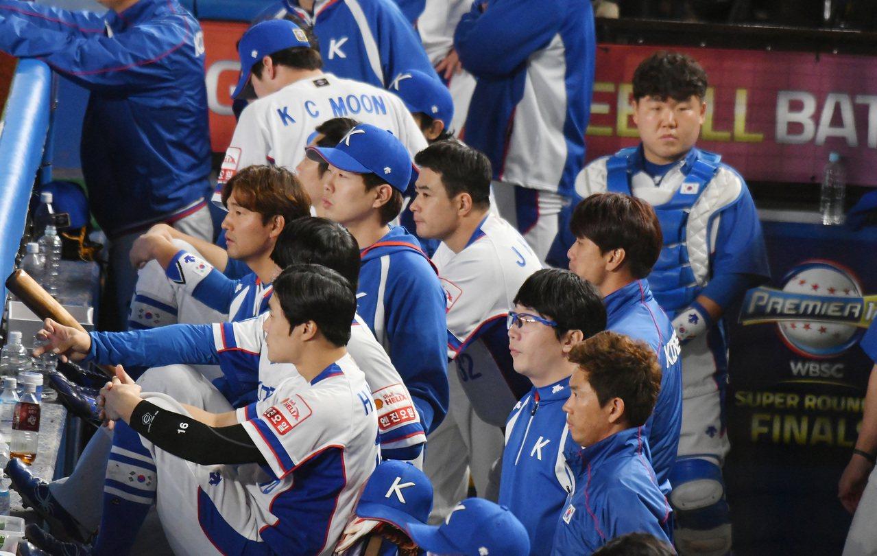 遭中華隊7:0重創,南韓球迷、媒體已經開始擔心,挑進明年東京奧運出現重大危機。 ...
