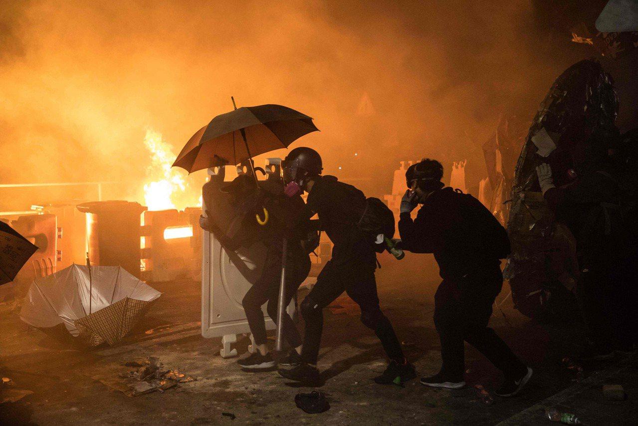 香港暴力衝突惡化讓習近平的中央領導層中鷹派更得勢 法新社