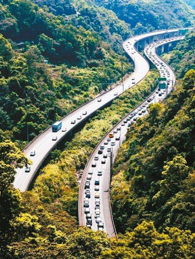 交通部已規劃啟動新的五年計畫,預計再投入60億元發展智慧運輸,解決交通雍塞。 圖/聯合報系資料照片