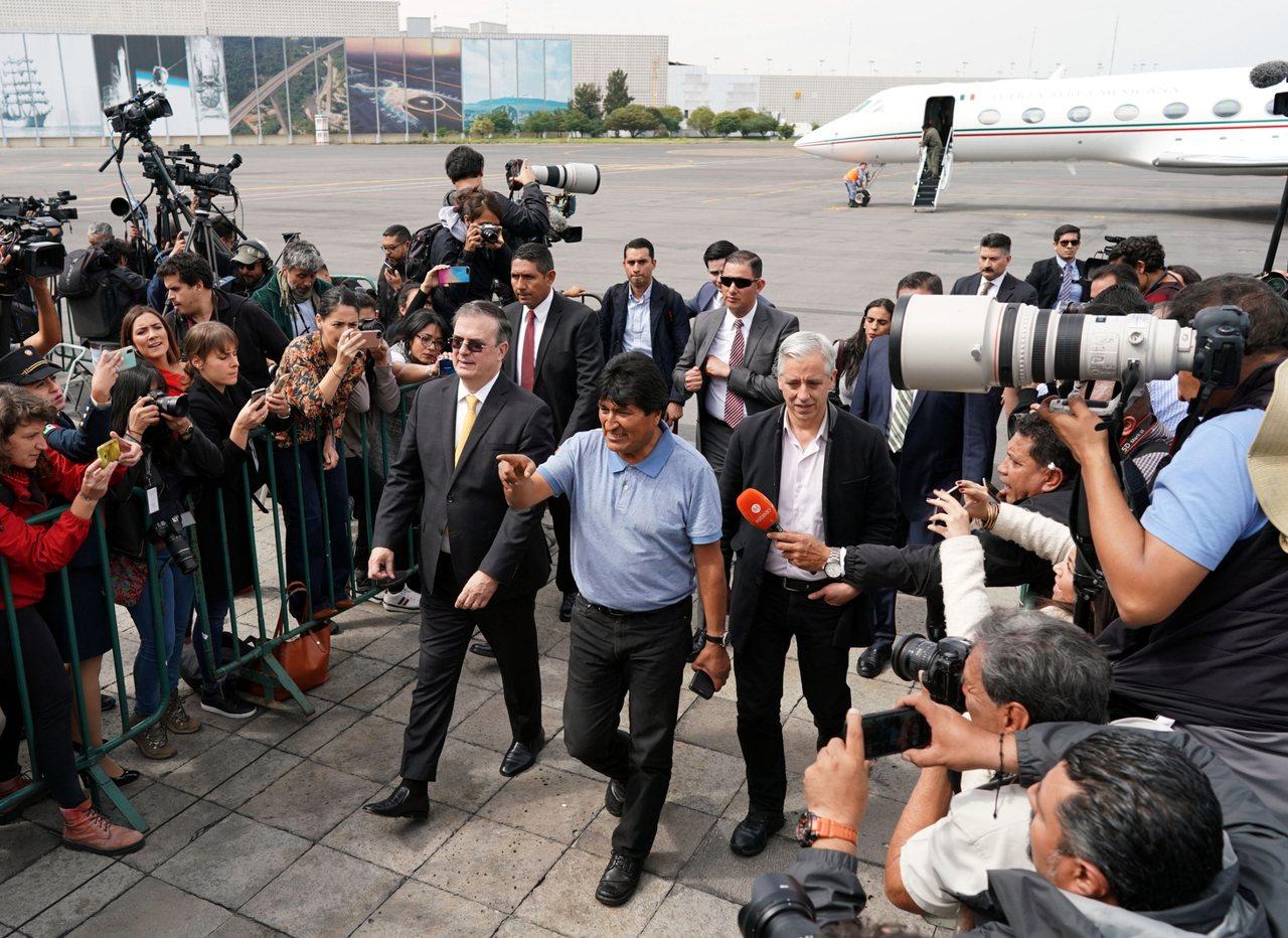 玻利維亞前總統莫拉萊斯(Evo Morales)搭乘專機抵達墨西哥。 新華社