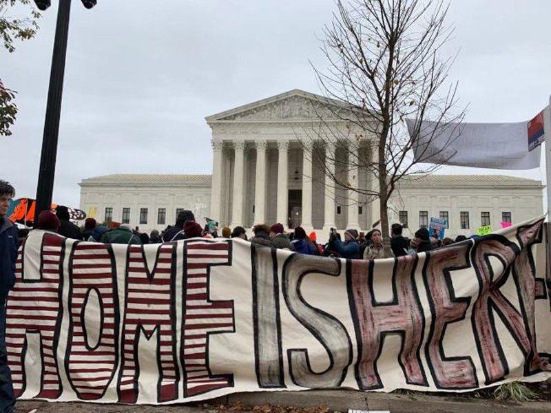 最高法院12日首度聽審決定全美66萬「夢想生」命運的「童年抵美暫緩遣返」行政令。...