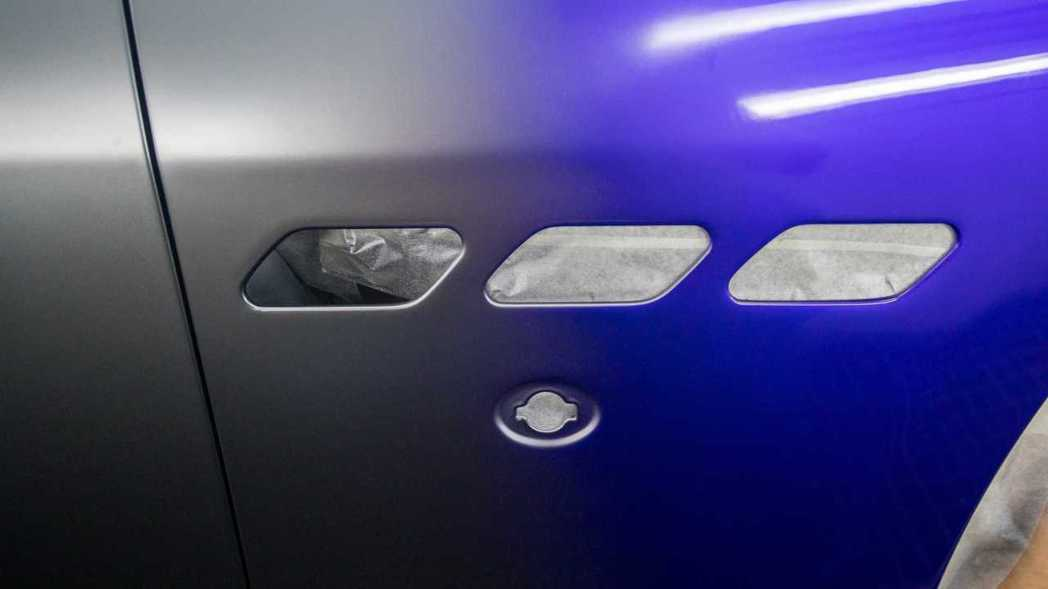 被原廠稱之為「冶金」效果的漸層工法。 摘自Maserati
