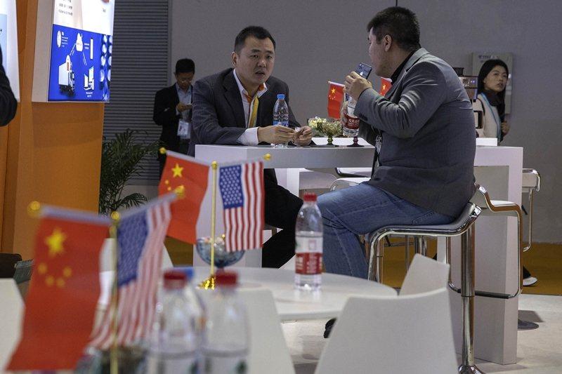 美中「脫鉤」的議題也相當令人關注。圖為11月7日中國國際進口博覽會,攝於上海。 ...