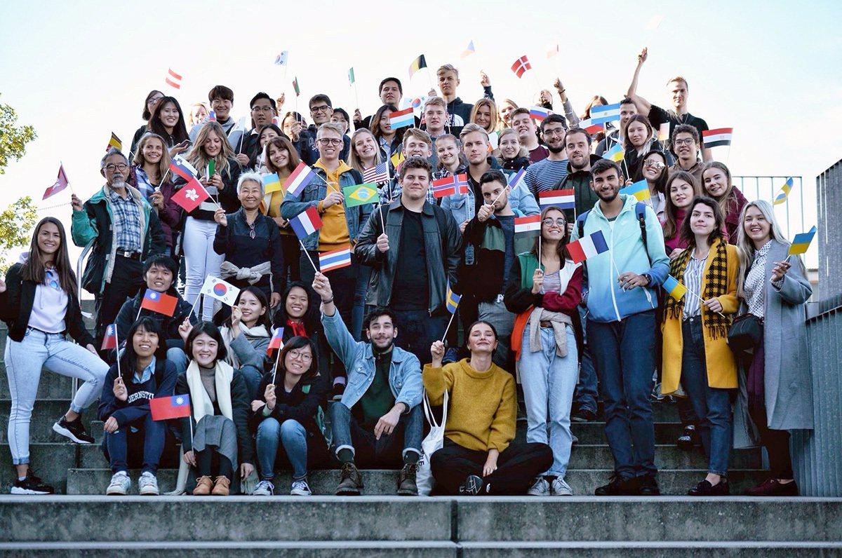 中央大學學生前往奧地利進行交換學生計畫,提升國際移動力與競爭力。 圖/中央大學 ...