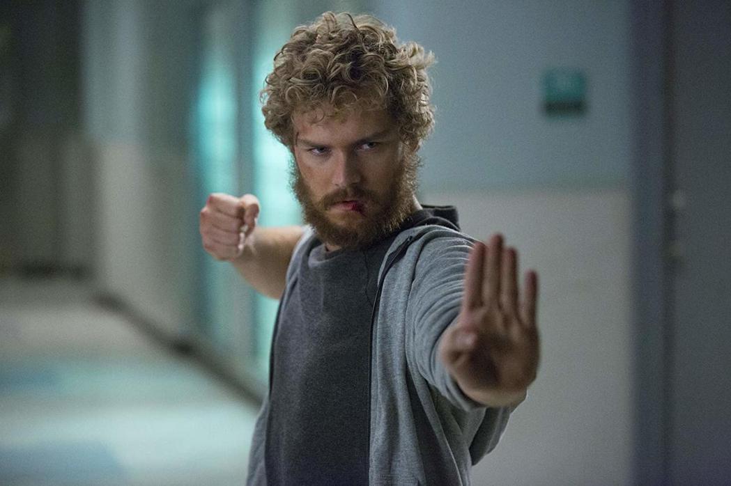 鐵拳俠據稱會在漫威英雄新片中出現,但不會再由芬恩瓊斯飾演。圖/摘自imdb